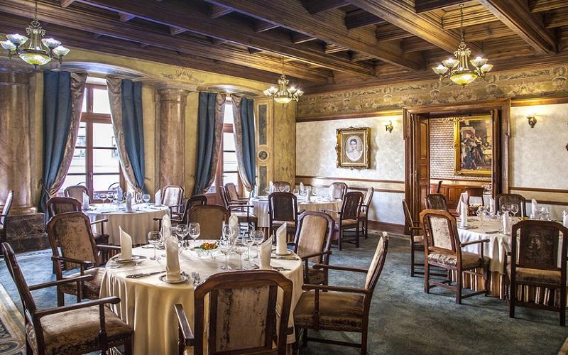 restaurants in old town.jpg